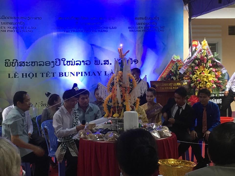 Thắm tình Việt - Lào trong Lễ hội Tết Bunpimay 2561 tại Đà Nẵng