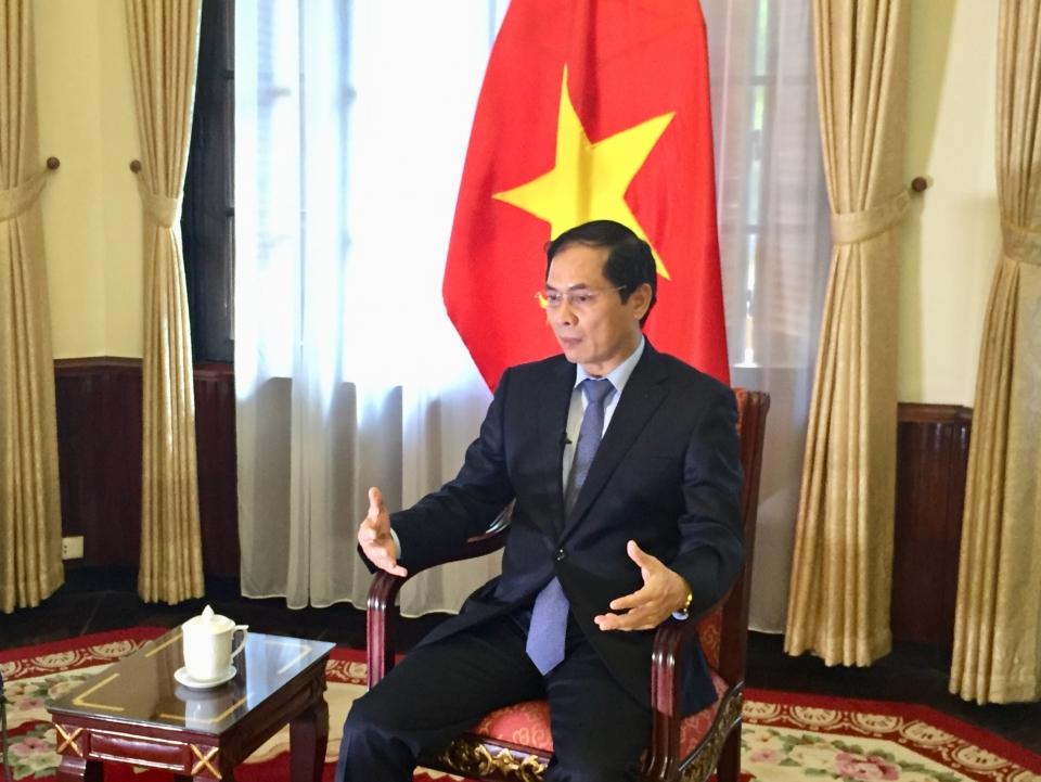 Chủ động khuyến khích các tổ chức phi chính phủ nước ngoài đóng góp tích cực cho Việt Nam
